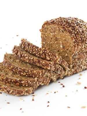 Los beneficios del pan integral, para quien pueda pagarlos